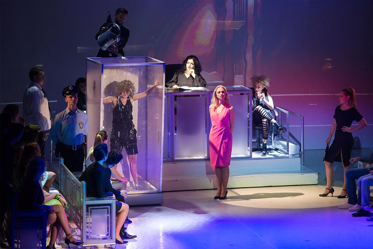 Teatr Variete Legalna Blondynka 16